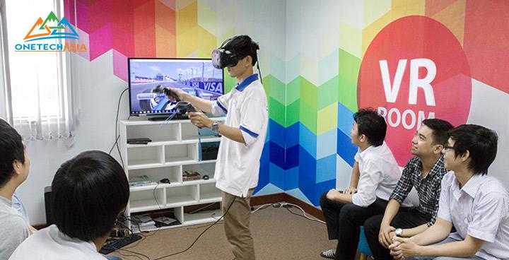 作業現場における危険体験をVRでリアルに体感_VR安全トレーニングアプリを開発