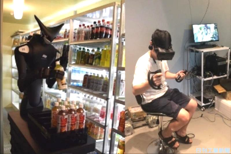 人型ロボットによる商品陳列(左)と遠隔操作をする操縦者